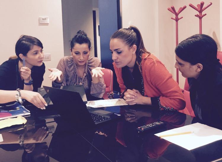 Donne al lavoro per il Sito Web Todini Costruzioni Generali