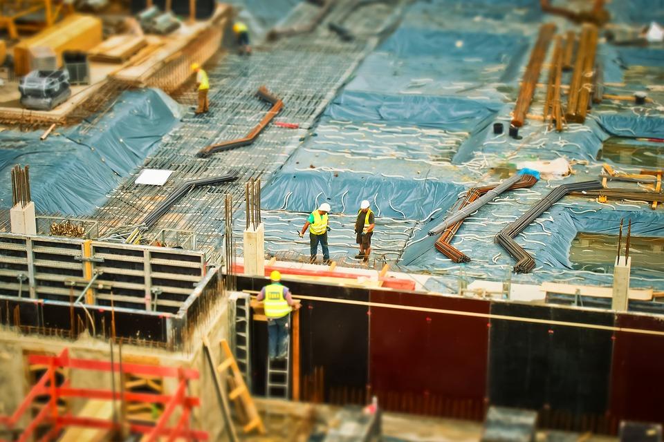 La crisi del settore costruzioni, lavori a rilento e contratti annullati